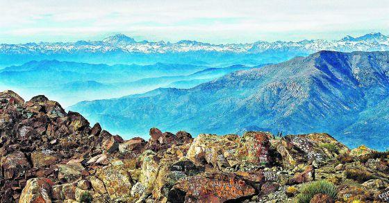 El cerro La Campana, en la cordillera de la Costa, en Chile, ofrece un sobrecogedor mirador a los Andes y el Pacífico