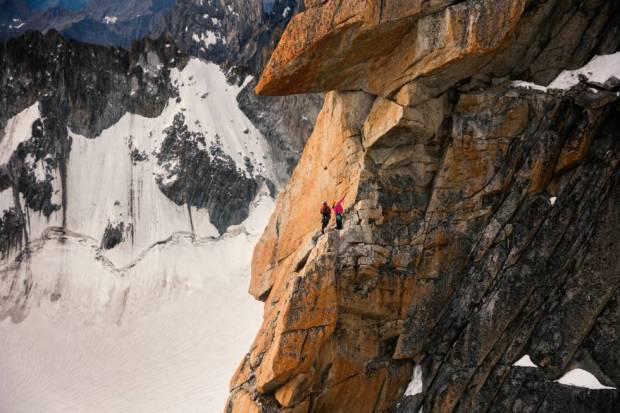 Caroline Ciavaldini en la via 'Voie Petit', en los Alpes. THE NORTH FACE